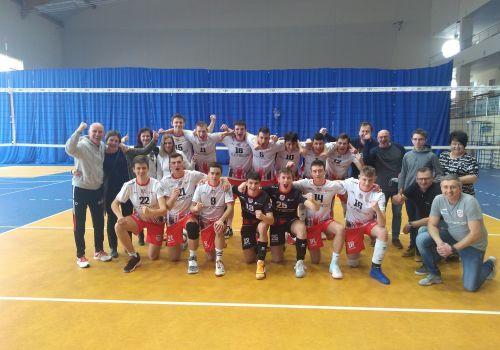 Juniorzy Młodsi z kompletem zwycięstw awansują do TOP16 drużyn w Polsce.
