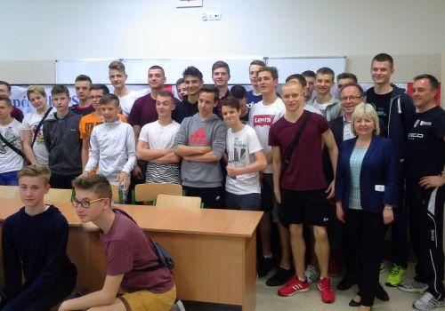 Dwukrotny mistrz ligi NCAA Nicolas Szerszeń odwiedził naszą szkołę